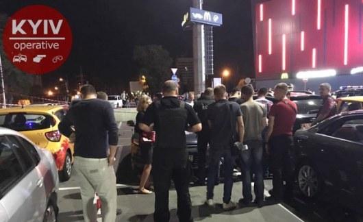Стали известны имя идетали убийства расстреляного укиевского ТРЦ мужчины